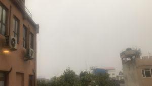 カトマンズ雨